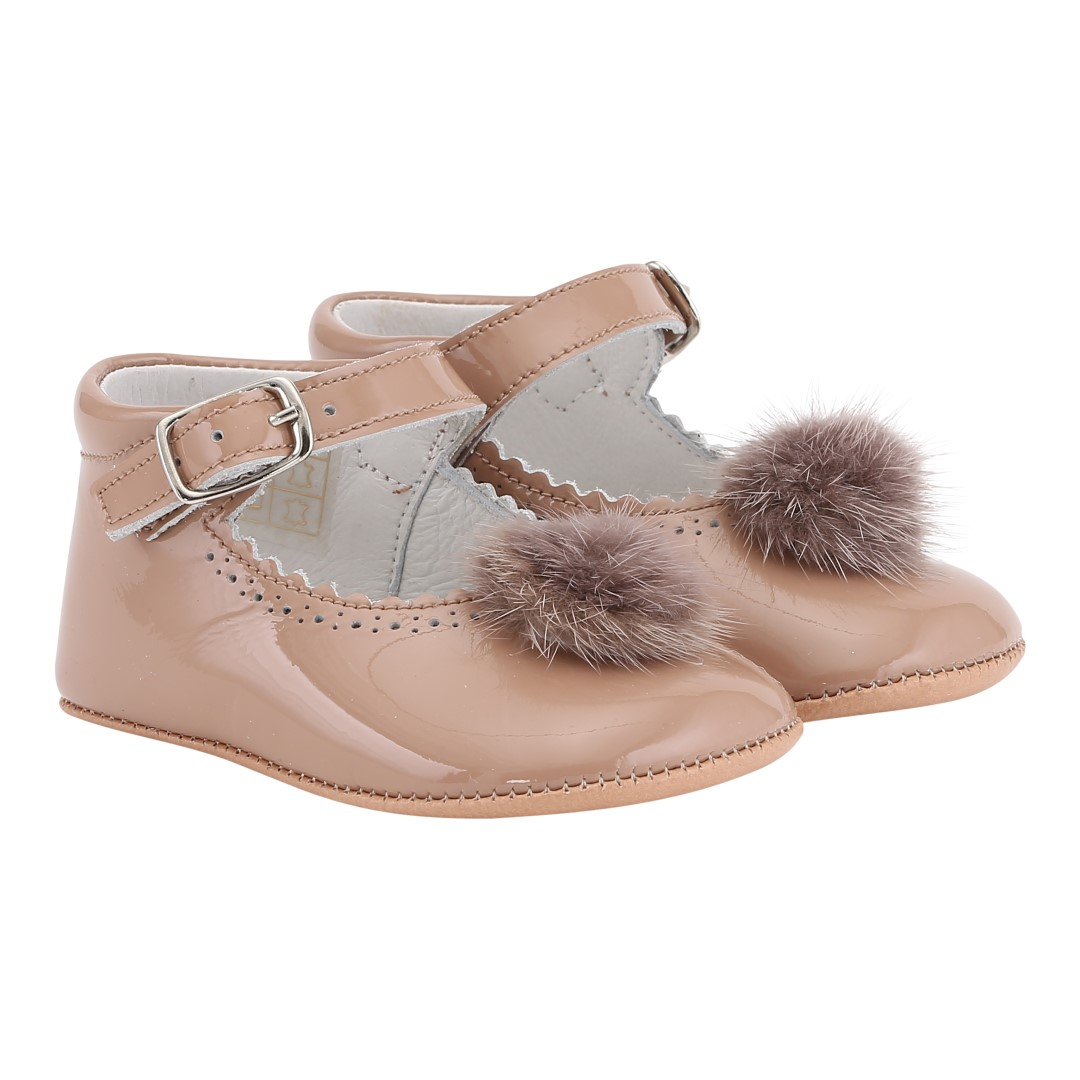 Mary Jane pram shoes in nude patent leather with pompom