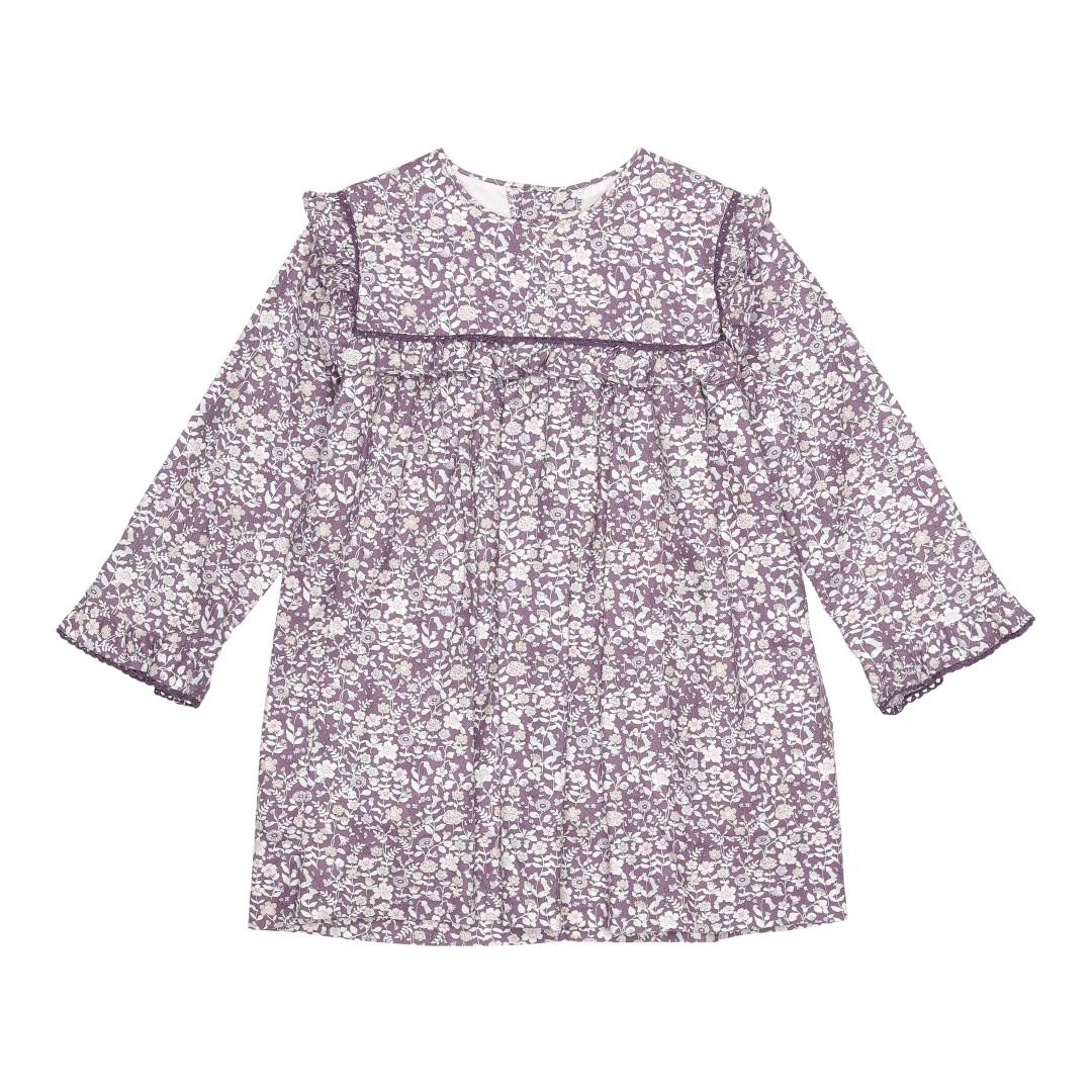 Liva kjole i et moderne småblomstret mønster med grå/lilla hortensia nuancer